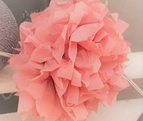 Paper peony blossoms – pom poms